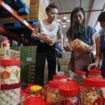Dont throw away #CNY goodies, donate them http://t.co/AdafWXj5vT http://t.co/vsE1hHgnJS