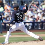 .@tai_walker starts strong in todays Cactus League opener. Game recap: http://t.co/rFRPnoO7Xp http://t.co/pVsft4Bc5V