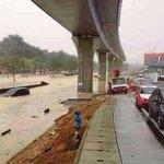 #kualalumpur Jalan bertukar sungai lepas 2 jam  http://t.co/OZWDvKhgxW http://t.co/X6qXM6TbWH