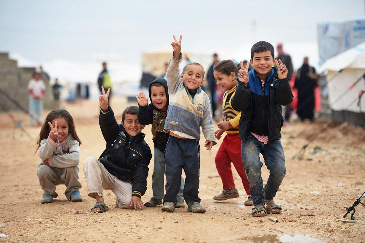 2 millones de #refugiados sirios son #niños ¡Apoya a ACNUR compartiendo el video! http://t.co/495Gves2Dc #ACNURSiria http://t.co/6jH2VDJZcF