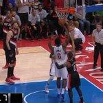Chris Paul misses the shot, but DeAndre Jordan gets the rebound with time left but he doesn't shoot! http://t.co/DK9Ldv7uBT