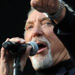 Welsh superstar Sir Tom Jones will Rock the Stadium in Falkirk this summer. http://t.co/UrMBnD95w3 http://t.co/H6hXN953n6
