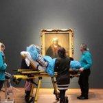 """Amsterdam - """"Voglio vedere Rembrandt"""": esaudito lultimo desiderio di una donna malata http://t.co/LWlS5js96e http://t.co/BfTX1O8QBP"""