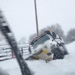 Roads remain dangerous as snow continues. http://t.co/JuXjfpbuyo http://t.co/f2iOc1FbNn