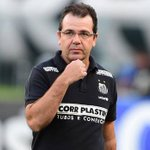 Mesmo em boa fase, Santos demite Enderson Moreira http://t.co/hDRR0YBdDH http://t.co/QDFrdX9UGS