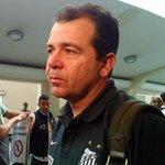 Enderson Moreira não é mais técnico do Santos http://t.co/coR9EQgp2g http://t.co/5BjopIaMki