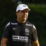 """CAIU: """"Enderson Moreira não é mais treinador do @santosfc"""" http://t.co/r6xiQWSsDn http://t.co/vaW8KiiWQN"""