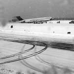 BREAKING: Delta flight slides off runway at LaGuardia Airport http://t.co/WxnulmjjIC @NBCNewYork http://t.co/NlG8CZ13qU