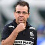 Enderson cavou demissão ao entrar em conflito com jovens. Por @futblogdorenato, do @ESPNFCbra http://t.co/nFixeAUuHK http://t.co/REuEGiNtmA
