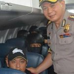 Denpasar police chief defends happy snap with Bali Nines Andrew Chan. http://t.co/qmU2LhngSL #Bali9 #9News http://t.co/ZH5YX2YKZG