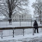 a quiet snowy afternoon in Washington @capitalweather @PSUWeather http://t.co/XNfWgoHdCd