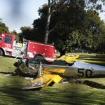 Harrison Ford was reportedly piloting this single-engine plane that crashed onto a golf course http://t.co/j0oNzY3O0S http://t.co/GTfySyTlBr