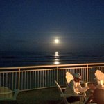 Awesome moon over ocean #DaytonaBeachShores http://t.co/kQHhaqwxJu