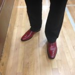 Neenah head coach @andy_braunel is wearing his special red shoes for tonights big sectional semifinal game. #wisgb http://t.co/PvzKV6JF0M