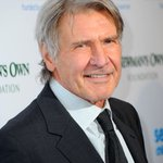 """#HarrisonFord reportedly injured after crash-landing a small plane. Witness: """"There was blood all over his face"""" @CNN http://t.co/CK2AEdCDXm"""