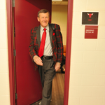 The best image youll see all night... Craig Sager is back to work. http://t.co/8rwl3CyTI6