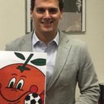 Con naranjito. Así responde @Albert_Rivera al desprecio del portavoz del PP @Rafa_Hernando > http://t.co/mxETM5S9rd http://t.co/MwiTj1mwna