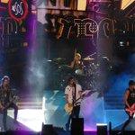 The boys be ROCKIN in Tokyo http://t.co/l6GctZdnFX