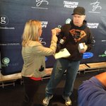 Did I fistbump @garthbrooks today over #Buffalo sponge candy? I sure did. And we shared some. http://t.co/IMyUgFLjyh