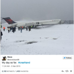 Passengers share videos and photos of Delta plane skidding off the runway at La Guardia: http://t.co/GSOrETPfvu http://t.co/21muvIHN56
