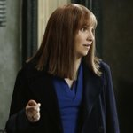 Whoa! @lenadunham looks so different in a wig on @ScandalABC: http://t.co/9YPj9Ot4AL http://t.co/YWEh8cVoKQ