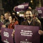 Sonrisas por el paso que por fin ha dado la gente @Albertomataran #PegandoElCambio http://t.co/samygiY5dt