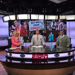 The NBA Countdown crew is happy to welcome Craig Sager back to the sidelines tonight! http://t.co/HfUoFmqxjk