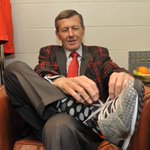 Craig Sager laces up for his return - @NBAonTNT now! #WelcomeBackSager http://t.co/CaijPPtINj