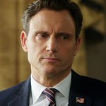 30 minutes until an all-new #Scandal. http://t.co/yKVH1UYQZl