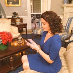 Thursday night in the Oval. #FLOTUSTWEETS #ScandaI #TGIT @BellamyYoung http://t.co/ekVRnf4qSz