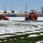 #cbs11wx #dfwwx Crews help @FCDallas prepare for season opener after winter storm. @CBSDFW http://t.co/2cgTadDAVv http://t.co/W9FnIpM5jX
