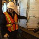 2 тонн ууттай зэс-алтны баяжмал, ойролцоогоор 500 кг зэс, 50 грамм алт агуулдаг. #madeinmongolia http://t.co/AzQCvhzpoi