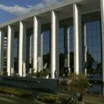 Juíza de Brasília condena homem a pagar R$ 30 mil por divulgar fotos íntimas da ex na web http://t.co/n6EmInEmYF #G1 http://t.co/bze5D4iOOh