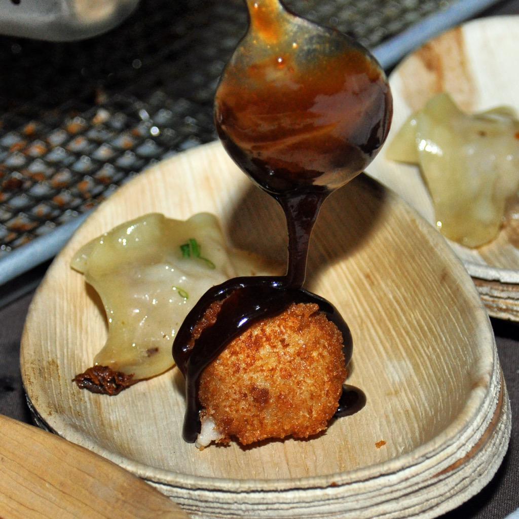 It was a beautiful evening of local food & art at @renhotelphx for @devourphoenix #PalettetoPalate! #DevouredPHX http://t.co/sJIAf3jERj