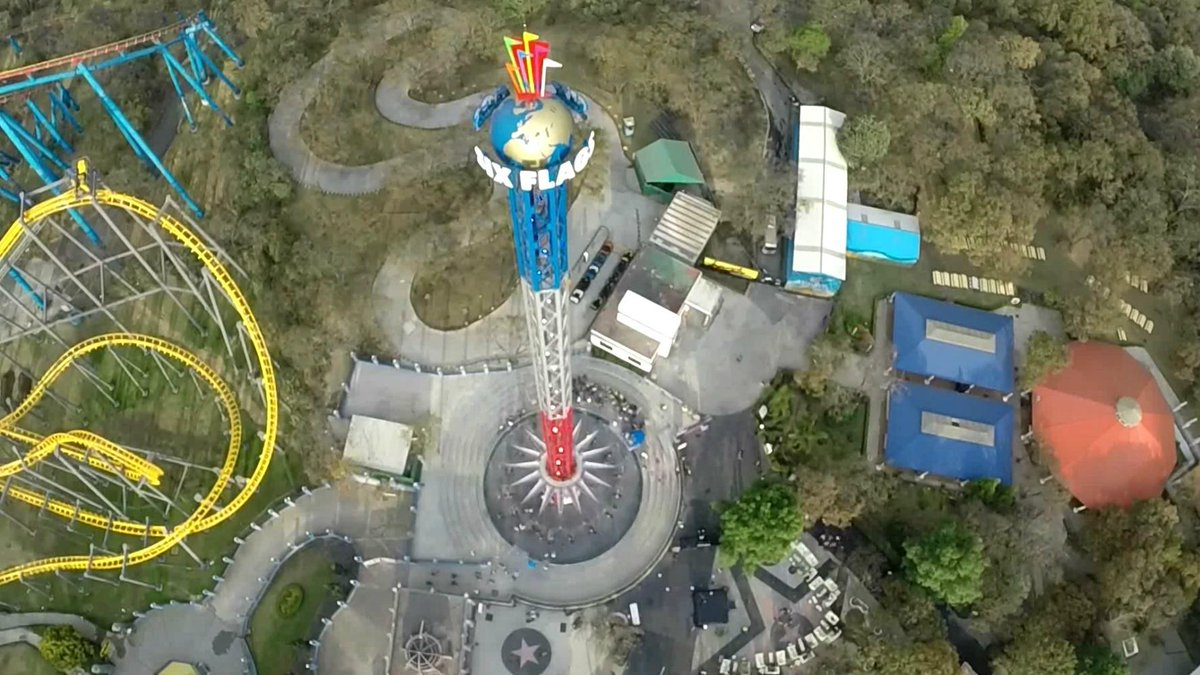 Encuentra sensaciones inolvidables y #VuelaEntrelasNubes a una altura impactante con #SkyScreamer ¡Aquí nos vemos! http://t.co/yavBzvrVuY