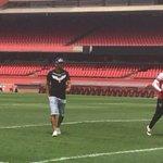 """Maicon se despede no Morumbi e confirma acerto com Grêmio: """"Devo viajar amanhã. Vou com tudo. Será um ambiente bom"""" http://t.co/kGkWNhTn8Z"""