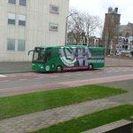 """Wellicht is @fcgroningen bij Stadskantoor Dordrecht om zich tot echte """"Groen-Witten"""" te naturaliseren.... #grodor http://t.co/IQg6mkj1fh"""