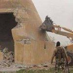 تحت صمت الحكومات والمجتمع الدولي ، أكبر حضارة في العالم مدينة نمرود الواقعة في محافظة نينوى تم تهديمها من قبل داعش. http://t.co/udMXVtUy04