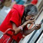 Зайлуул даа эмээ юу бодож суугаа юм бол доо.Ингэх хэрэг байгаа л юм байх даа. http://t.co/oK7P6txOvA