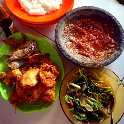 Menu Makan Cuma Tiga Belas Ribu Rupiah - AnekaNews.net