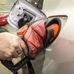 Alta da gasolina é a vilã da inflação, que chega a 7,7% em 12 meses http://t.co/HKriQvPNKT http://t.co/y83svJZLIL