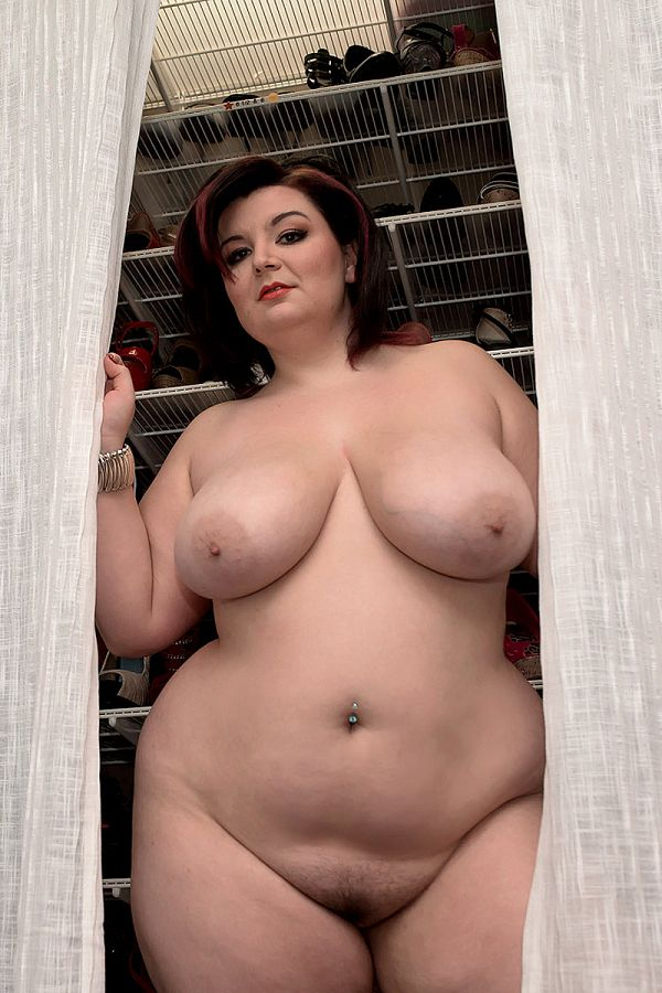 Видео Голых Девушек Красивых Толстых