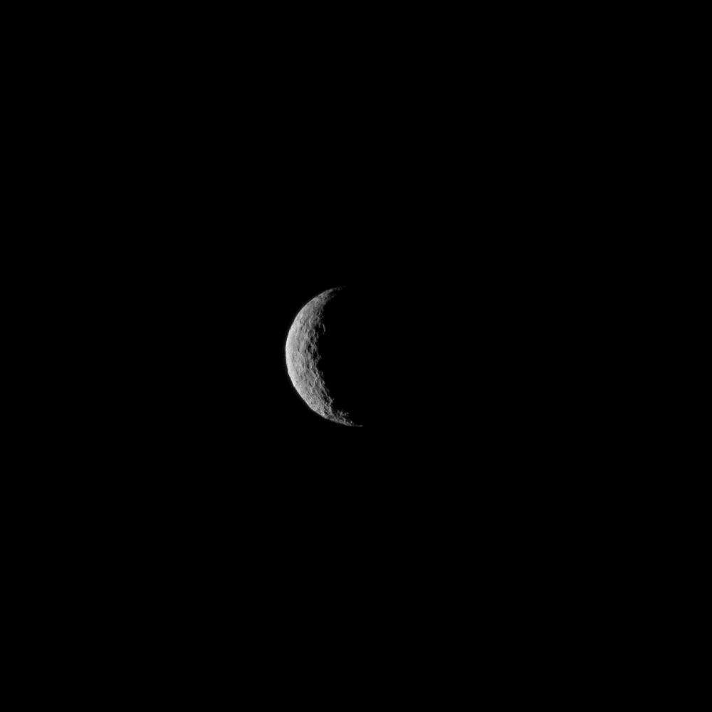 Congrats to @NASA_Dawn -  first mission to achieve orbit around a dwarf planet!  http://t.co/LfsQ46bNUI http://t.co/0Hnn3zVF9v