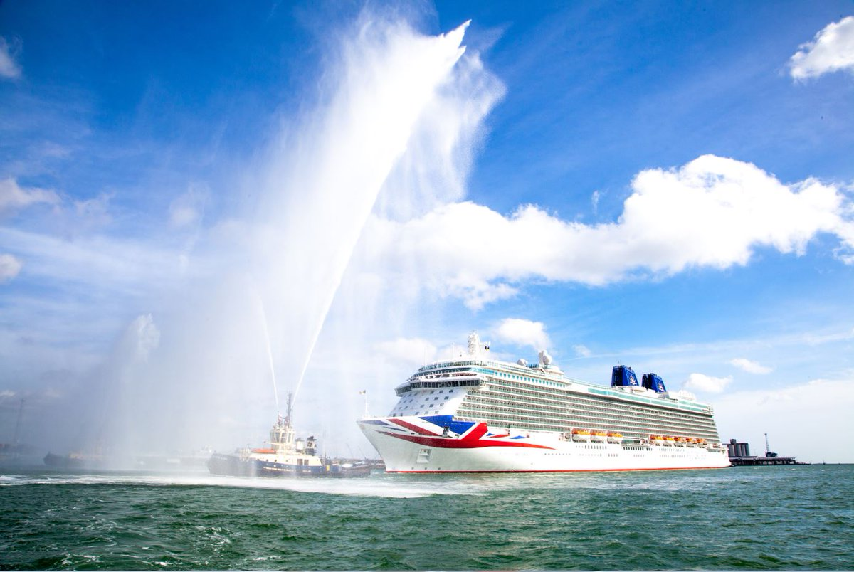 The excitement was almost too much for us. She is finally home! What a momentous day. #Britannia http://t.co/EKUvQ8bqaz