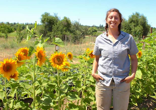 MT @NRDCFood: A crop of women farmers is stepping up 2 sustain the land. http://t.co/Y8lXQ3ydz7 @CivilEats http://t.co/U1Z9IBprmj