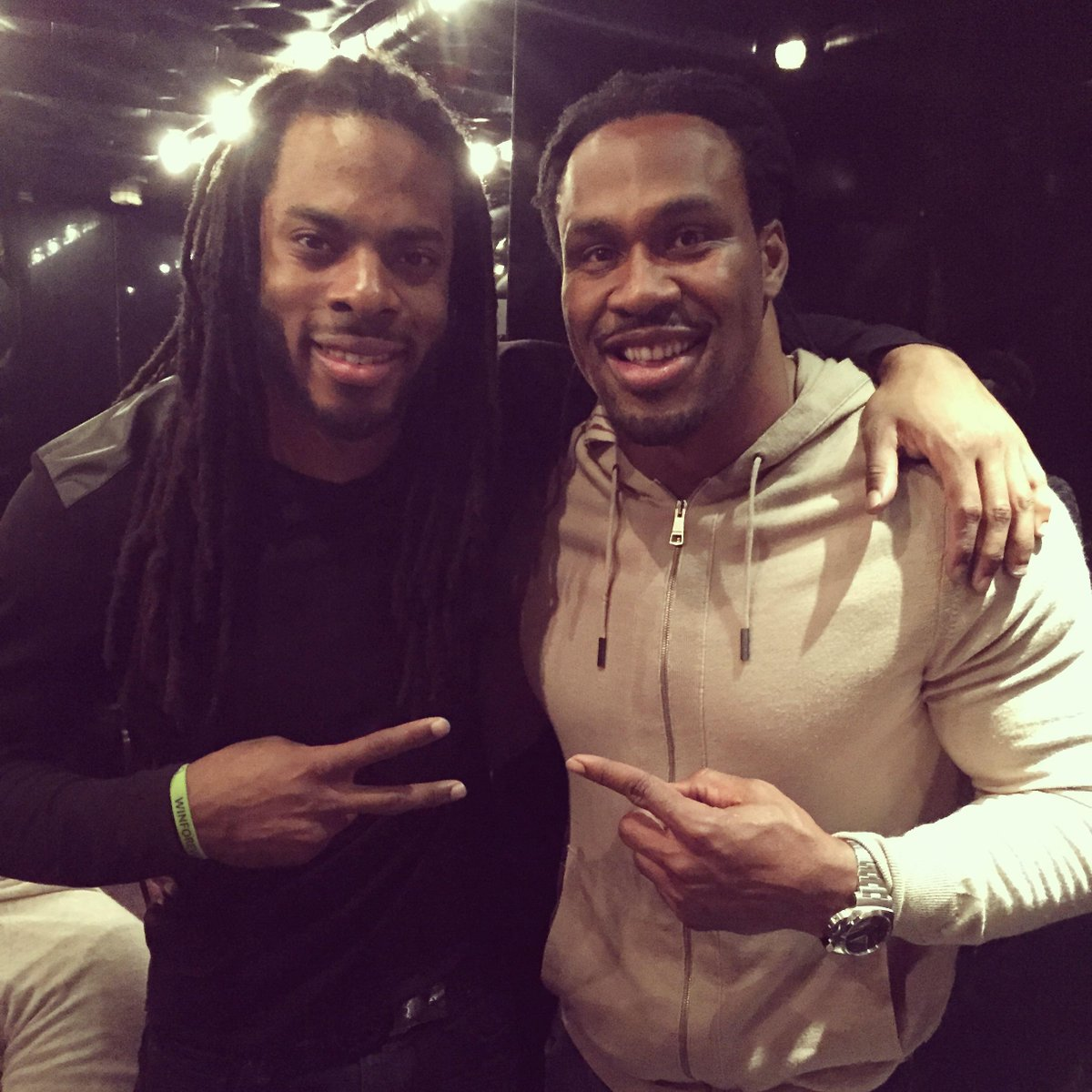 Hanging out with my son's favorite player @RSherman_25. Wish it was still me lol... http://t.co/0amuaP6cJM