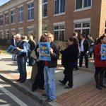 Protestors outside #MobileAL probate after state Supreme Court blocked same-sex marriages // http://t.co/ueAmUCTlLw http://t.co/wtHQ8fiMzQ