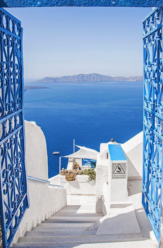 Santorini, Greece http://t.co/KVCkW1wnm0