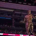 12 photos of the @DWilkins21 statue unveiling that you just have to see: http://t.co/zvJsSSqeEd #TrueLegend http://t.co/0XjieRhZWw