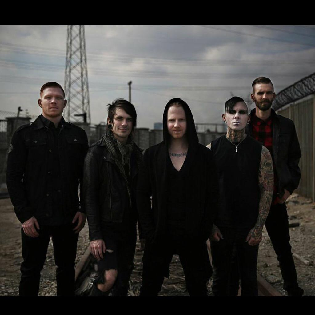 Everyone, please welcome our new members @RageRichter & @mthrfckrmike to the ASD family! #askylitdrive #asd2015 http://t.co/DHXe5PwsQq